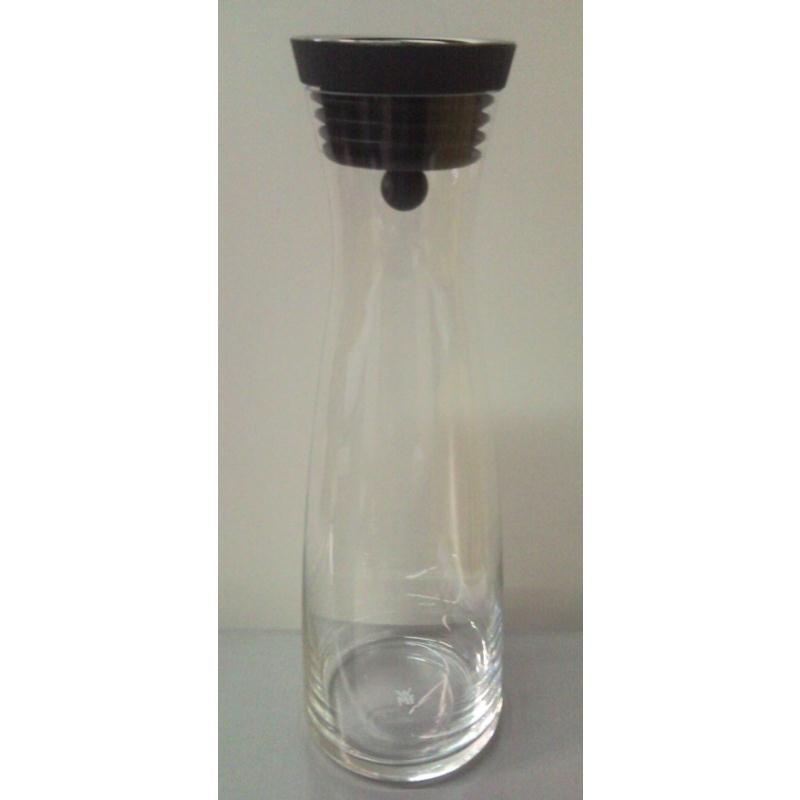 wmf wasserkaraffe basic 1 ltr schwarz autoverschluss karaffe wasserflasche ebay. Black Bedroom Furniture Sets. Home Design Ideas