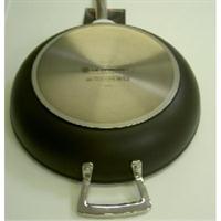 Le Creuset Alu-Sautepfanne 26 cm versiegelt Induktion Gegengriff