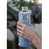 Equa Mismatch Gold Trinkflasche aus Glas 750 ml mit Filzcover und Metalltragegriff