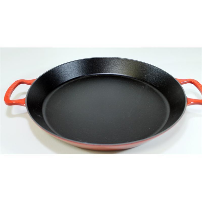 le creuset paella pfanne 34 cm kirschrot gusseisen induktion. Black Bedroom Furniture Sets. Home Design Ideas
